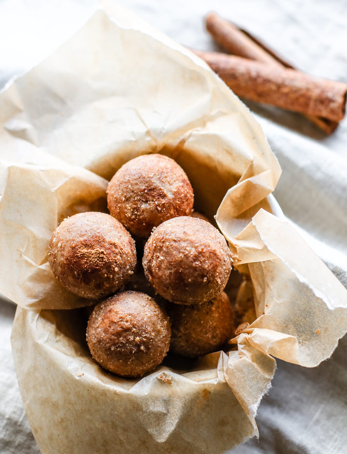High Protein Bites - Click for 22 more healthy high protein desserts, dairy free, gluten free options