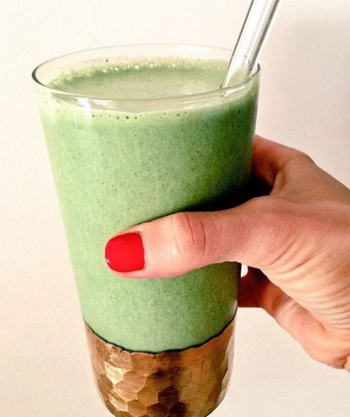 Green smoothie recipe using autumn root vegetables - switch it up to get more benefit of your green juice