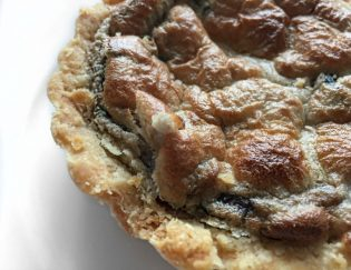 Mouthwatering Cashew Cream Mushroom and Onion Tart: Vegan, Gluten Free
