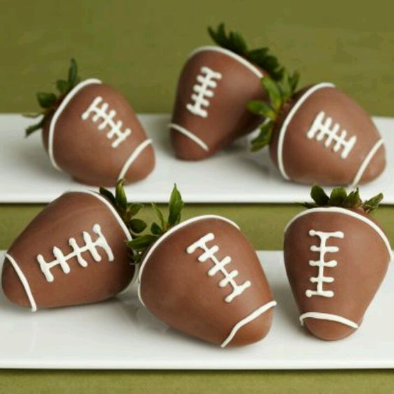 Chocolate covered strawberries for super bowl party healthy dessert