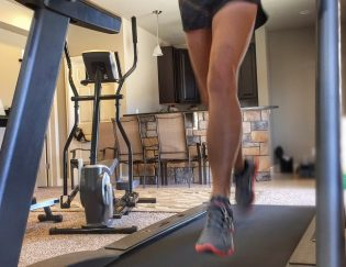3 Treadmill Workouts to Blast the Fat, Mix Up Training and Get Over the Blah's
